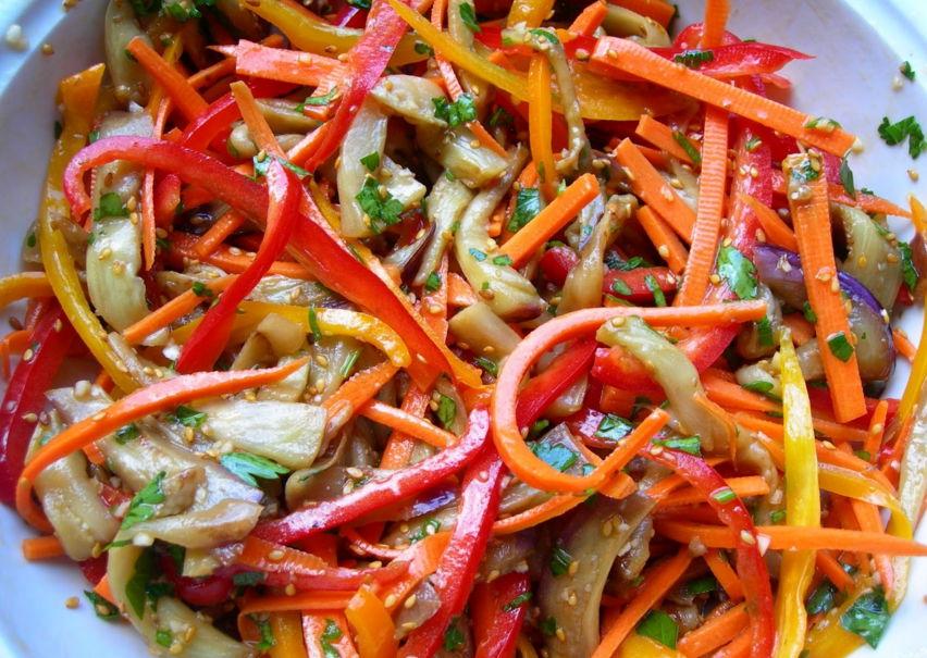 Салат из баклажанов и моркови по корейски с фото